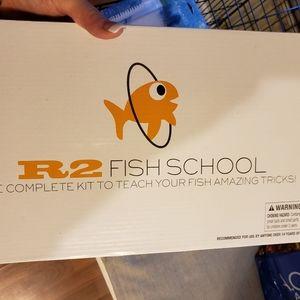 R2 fish school complete training kit